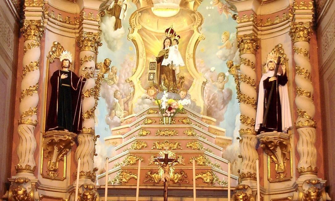 O retábulo da Capela Mor da Igreja da Ordem Terceira do Carmo, em Campos Foto: Reprodução