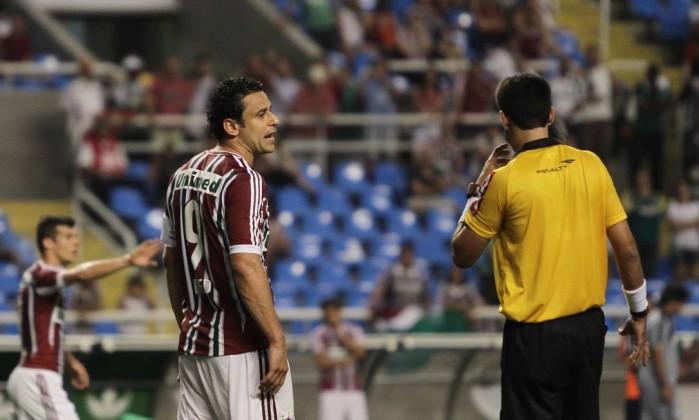 Aos 42 do segundo tempo, Fred marcou gol mal anulado pelo juiz Reginaldo Pimenta / Extra / O Globo