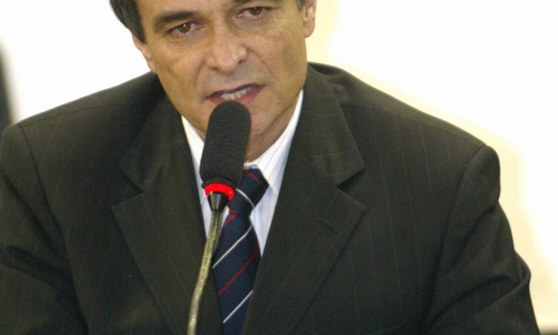 Empresário Cristiano Paz, sócio de Marcos Valério na agência SMP&B, durante depoimento à CPI do Mensalão O Globo / Ailton de Freitas 10.08.2005