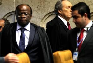 Primeiro dia de julgamento do mensalão foi marcado pelo bate-boca entre Joaquim Barbosa e Ricardo Lewandowski quando discutiam a possibilidade de desmembramento do processo Foto: Agência O Globo / Ailton de Freitas