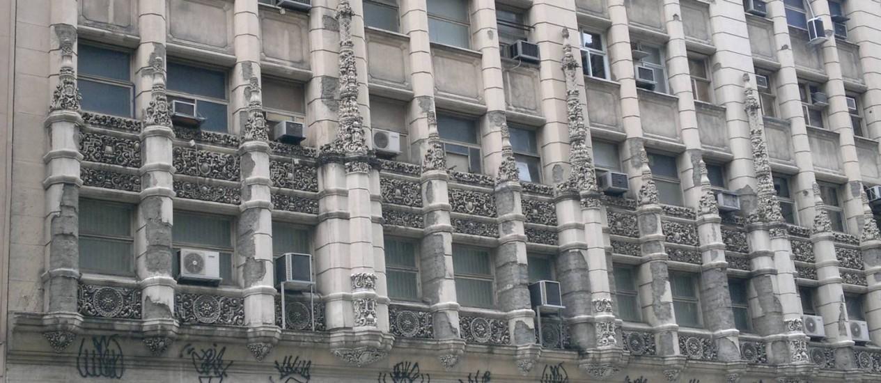 Erguido em 1940 e joia do art déco no Rio, o edifício Mayapan enfrenta dificuldades para recuperar sua beleza original Foto: Foto do leitor Ignácio Drocchi / Eu-Repórter