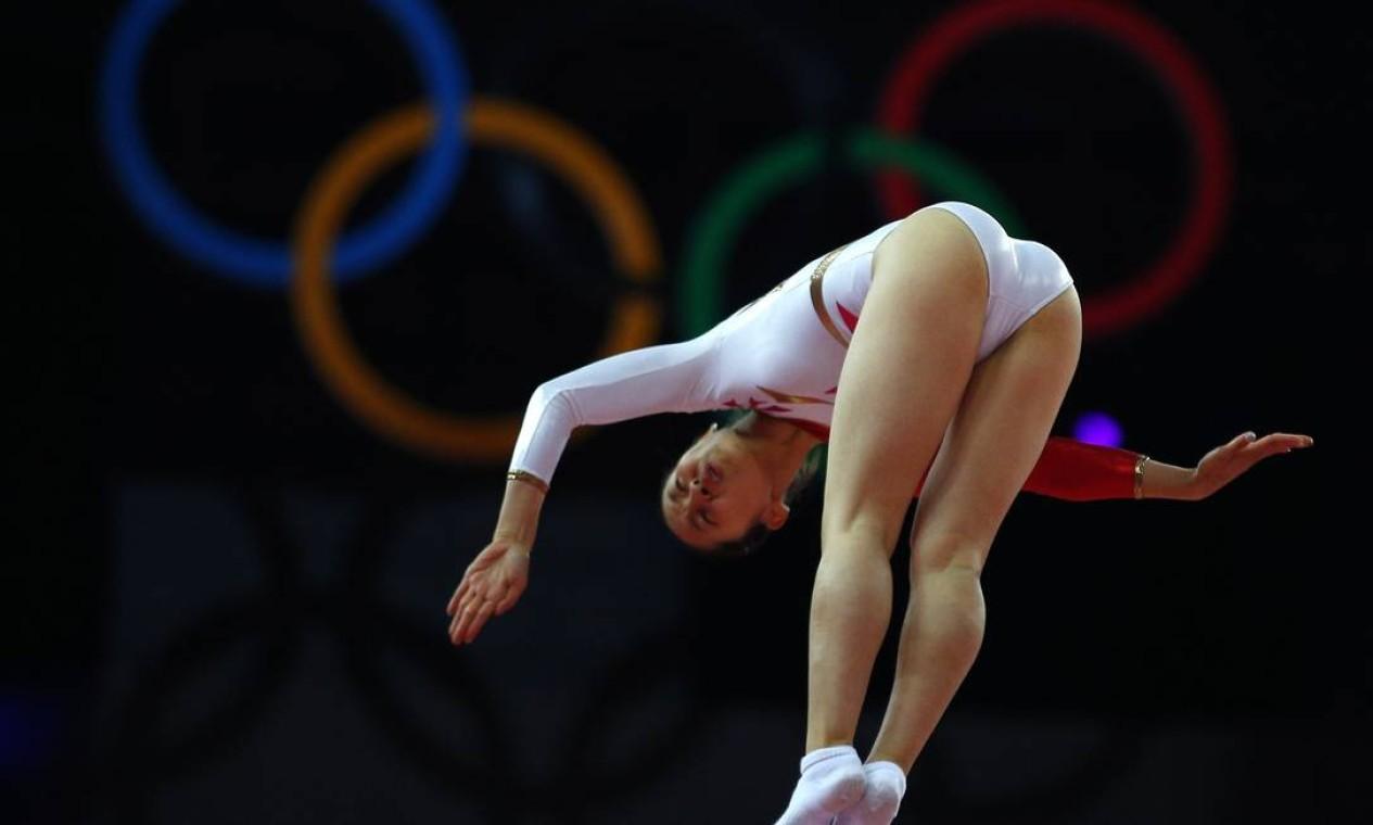 Japonesa Ayano Kishi compete no trampolim olímpico Foto: Reuters