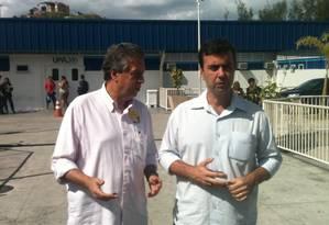 Marcelo Freixo visita UPA no Complexo do Alemão junto com o vereador Paulo Pinheiro Foto: O Globo / Luiz Gustavo Schmitt
