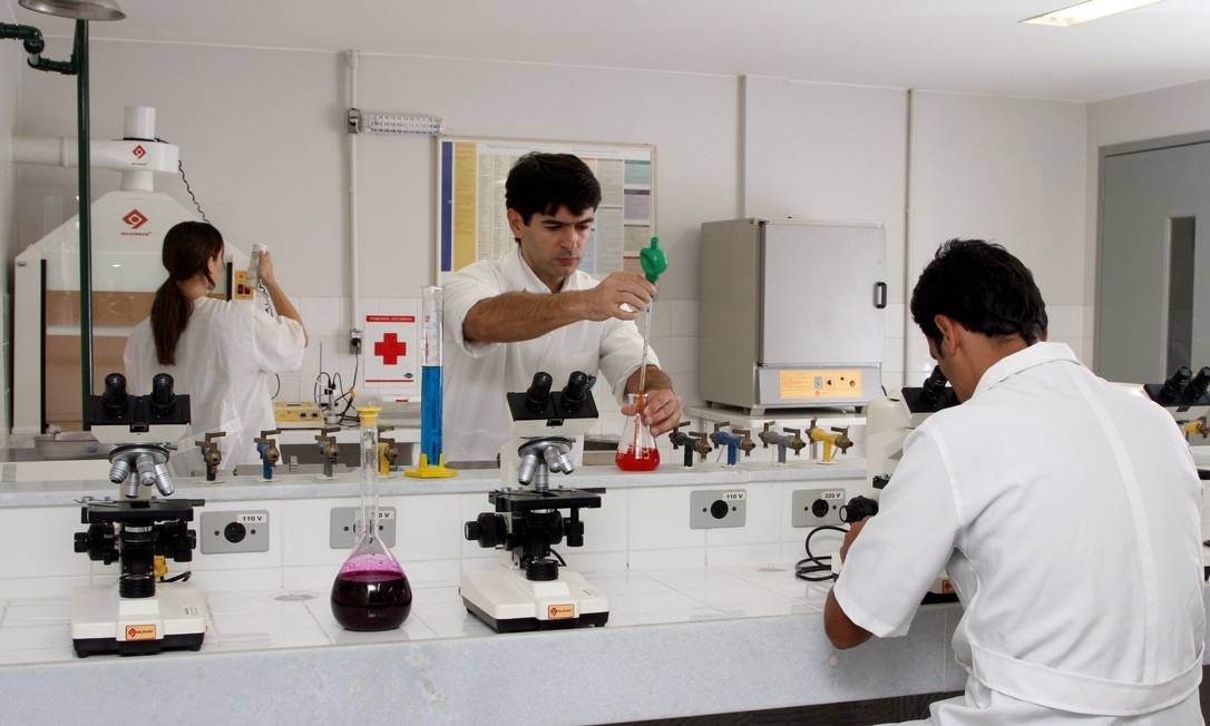 Estudantes devem relacionar os conceitos das ciências com suas aplicações Foto: Rodrigo Azevedo / Arquivo