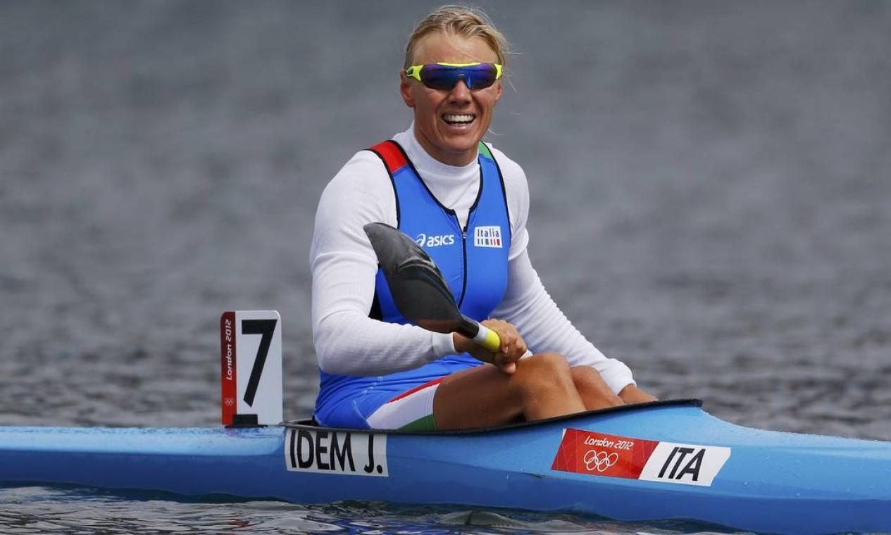 Italiana Josefa Idem passou pela semifinal na canoagem. Ela está em sua oitava Olimpíada Foto: Darren Whiteside / Reuters