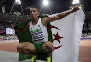 Argelino Taoufik Makhloufi faturou o ouro nos 1500m rasos Foto: Matt Slocum / AP