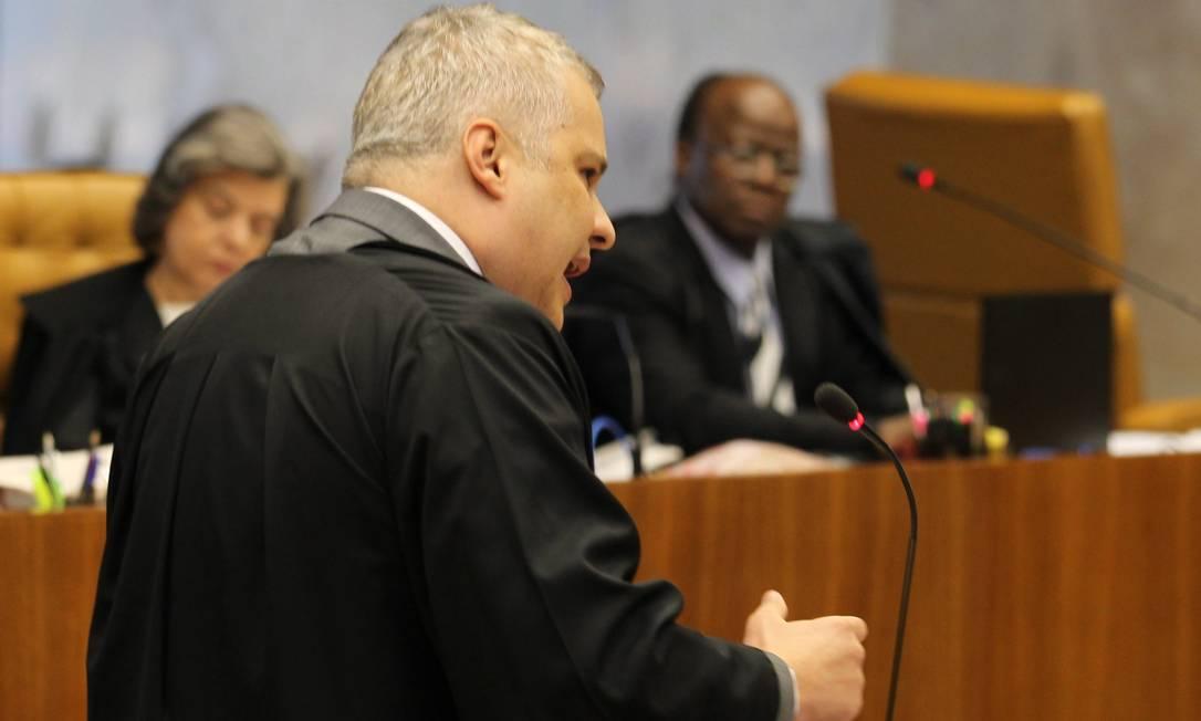 Marcelo Luiz de Bessa, durante a defesa do deputado Valdemar Costa Neto (PR-SP) no Plenário do STF Ailton de Freitas / Agência O Globo