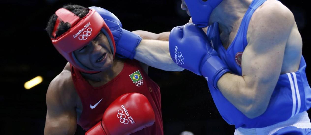 Yamaguchi Falcão leva golpe do russo Egor Mekhontcev na semifinal olímpica Foto: Reuters