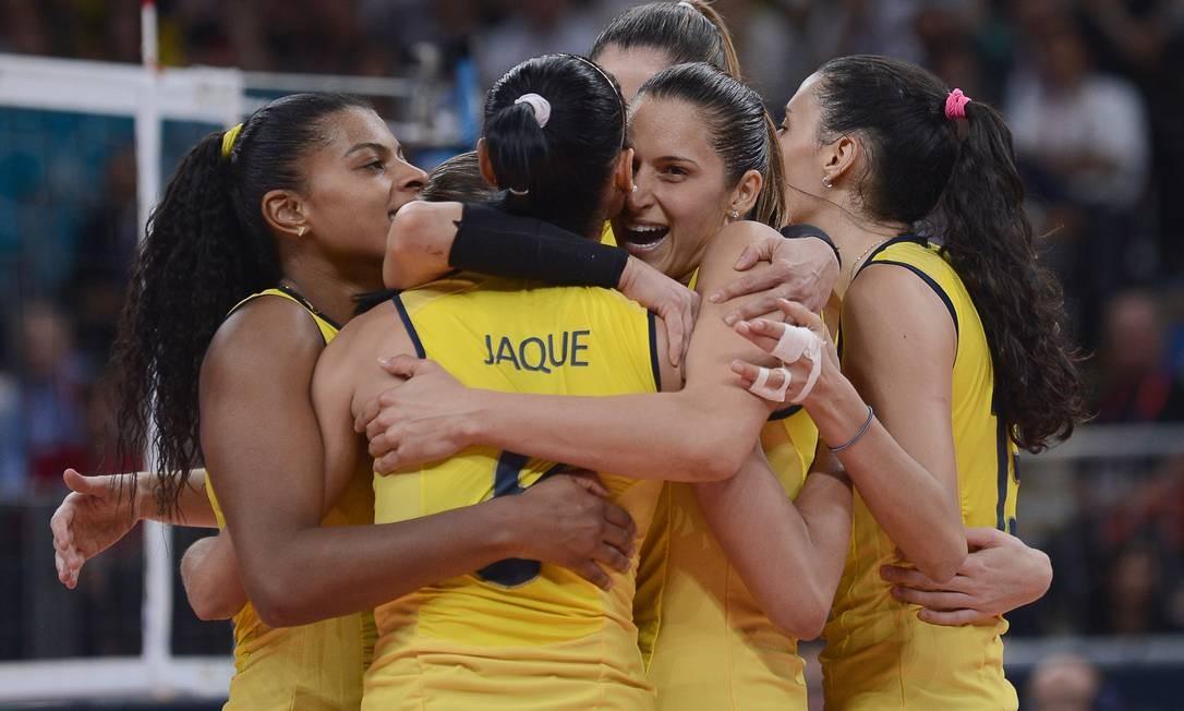 Ouro em Pequim-2008, o vôlei feminino brasileiro é bicampeão olímpico Foto: AFP