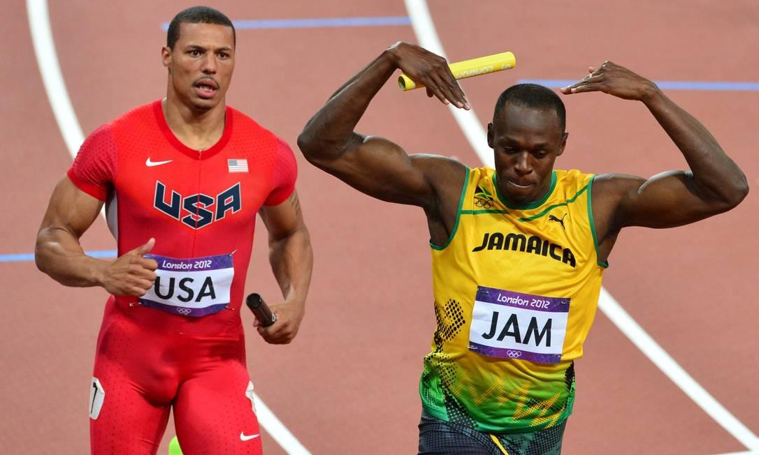 Usain Bolt encerra o revezamento 4x100m jamaicano com a vitória. Foi o terceiro ouro dele em Londres AFP