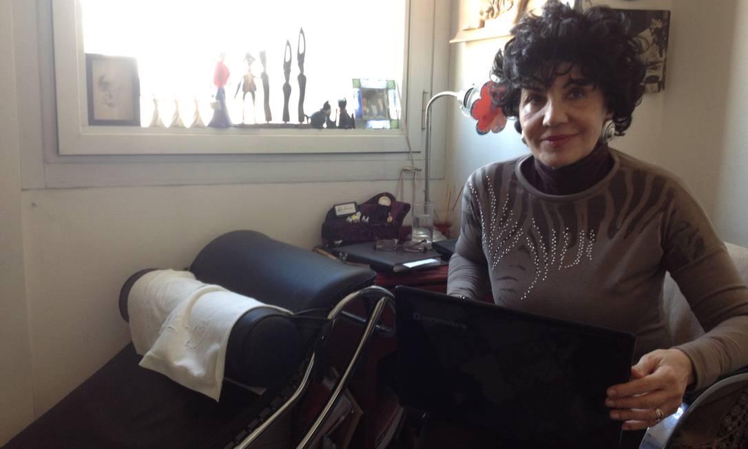 A psicanalista Adriana Guraieb começou a fazer consultas pela internet há uma década e hoje cerca de metade dos seus pacientes opta por esse tipo de terapia Foto: Janaína Figueiredo / Agência O Globo