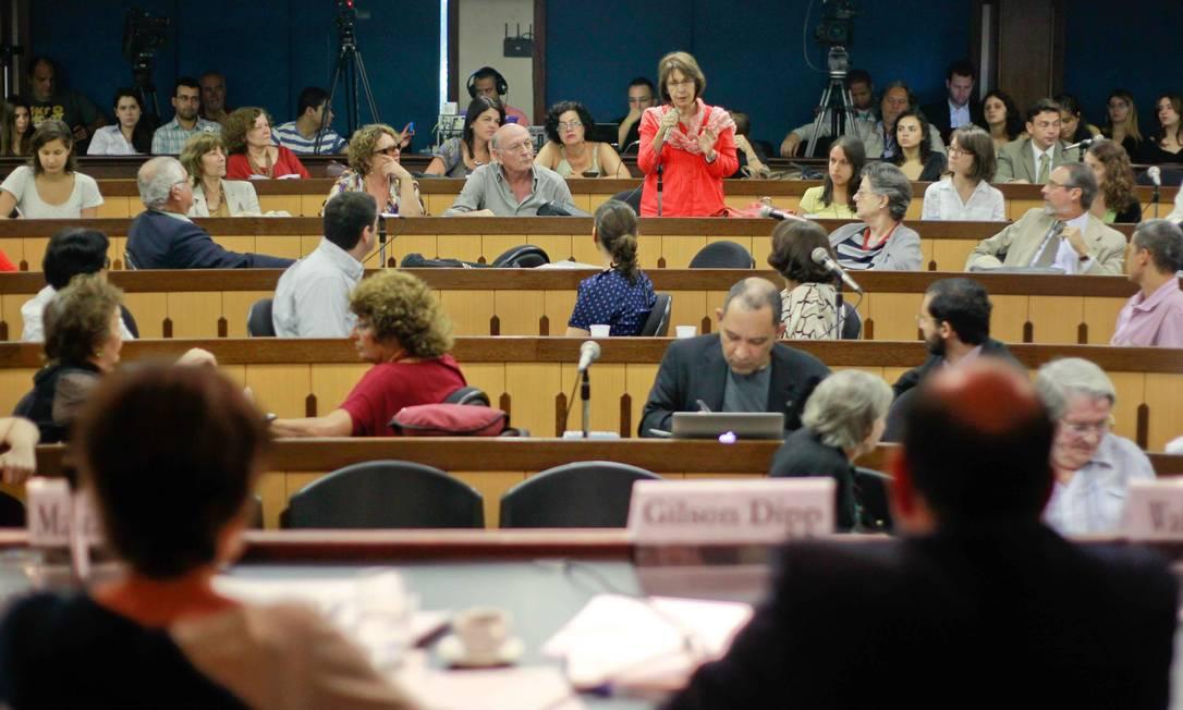 Comissão Nacional da Verdade promove primeira audiência pública no Rio Foto: O Globo / Pedro Kirilos
