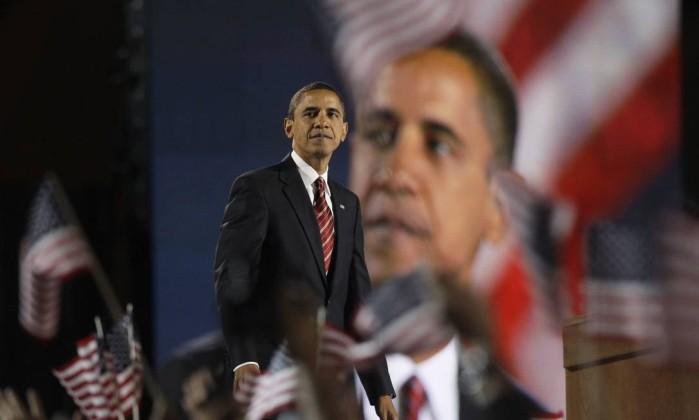 Obama discursa para multidão após vitória nas eleições presidenciais de 2008: primeiro negro a liderar a Casa Branca AP