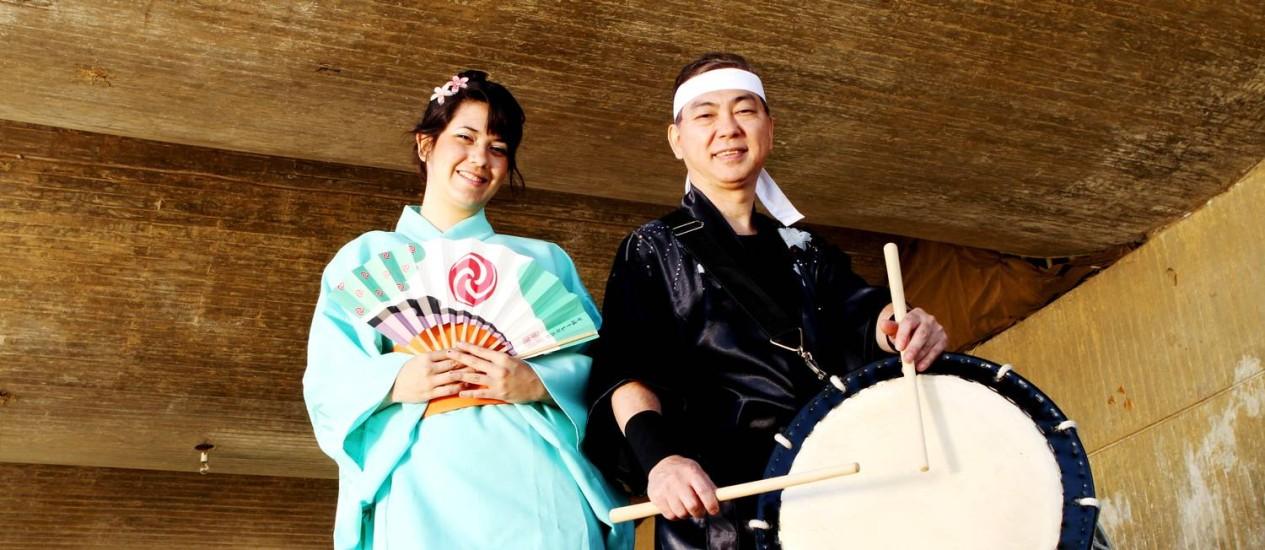 Tradições . Yumi Pojo e Mário Matsumoto vão participar do evento Foto: fotos de Bia Guedes