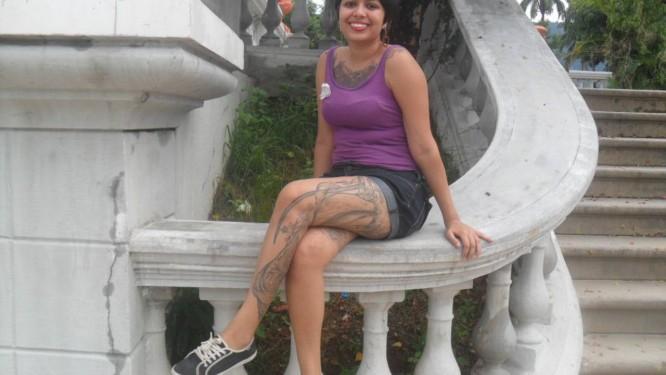 Juliana Palm só tem certeza de que está namorando se apresentada à família do homem, já que suas tatuagens foram motivo de término de dois relacionamentos por pressão de familiares Foto: Arquivo pessoal