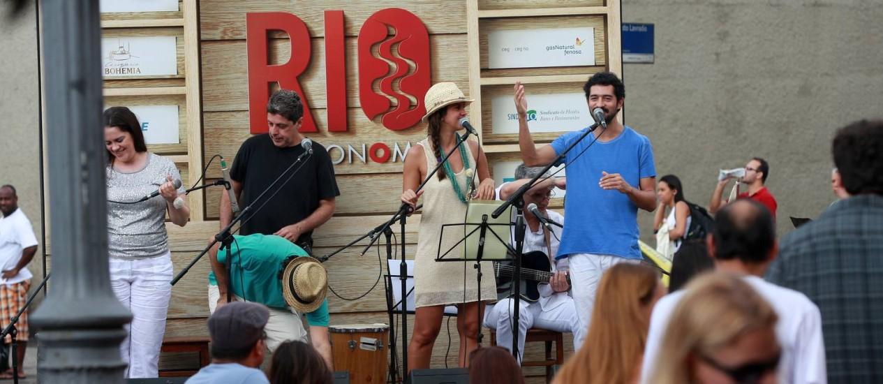 Música na Cidade. O Quarteto Primo se apresentou na hora do almoço na Rua do Lavradio Foto: Rafael Moraes / O Globo