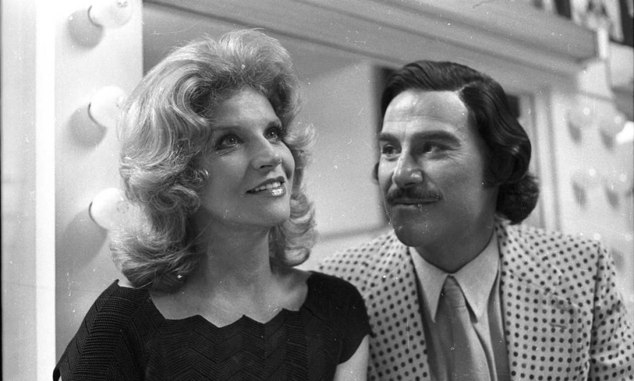 Em 1972, com o ator Leonardo Villar na novela 'Uma rosa com amor'. Tonia fez 16 novelas até hoje Foto: Arquivo / Agência O Globo