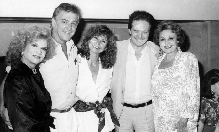 Tonia fez cerca de 20 filmes e 20 peças de teatro, incluindo montagens de Shakespeare. Na foto de 1986, a atriz com Eduardo Dollabela, Pepita Rodrigues, Eduardo Portela e Eva Todor Divulgação