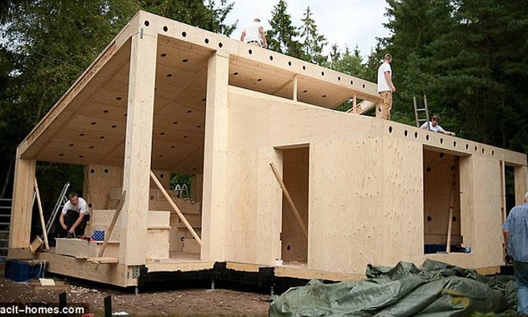 Processo de construção da casa demora seis semanas para ser finalizado Foto: Reprodução internet/Daily Mail