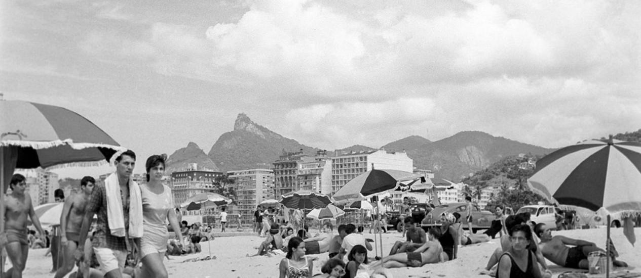 Orla da praia do Flamengo: novo livro destaca as belezas de bairros da Zona Sul, como Ipanema e Lagoa Foto: Arquivo
