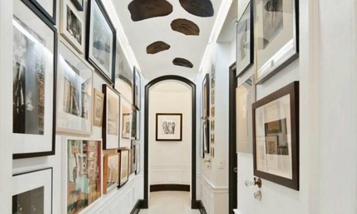 Nem as paredes e o teto do corredor escapam dos trabalhos artísticos Reprodução internet/Curbed