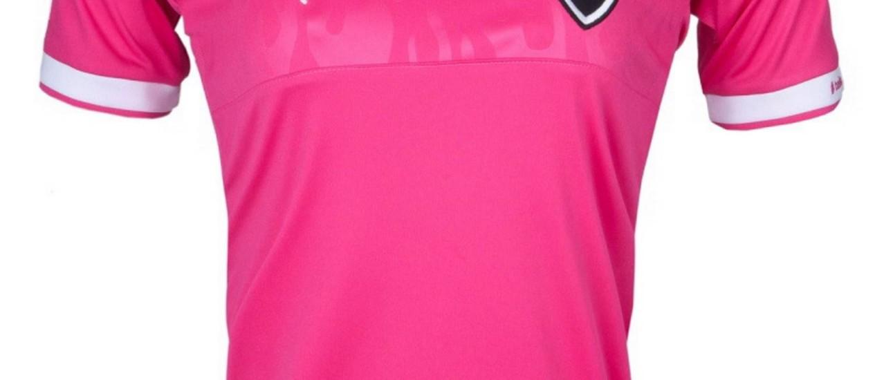 Camisa lançada para o público feminino foi antecipado por erro de loja de Juiz de Fora Foto: Divulgação / Puma