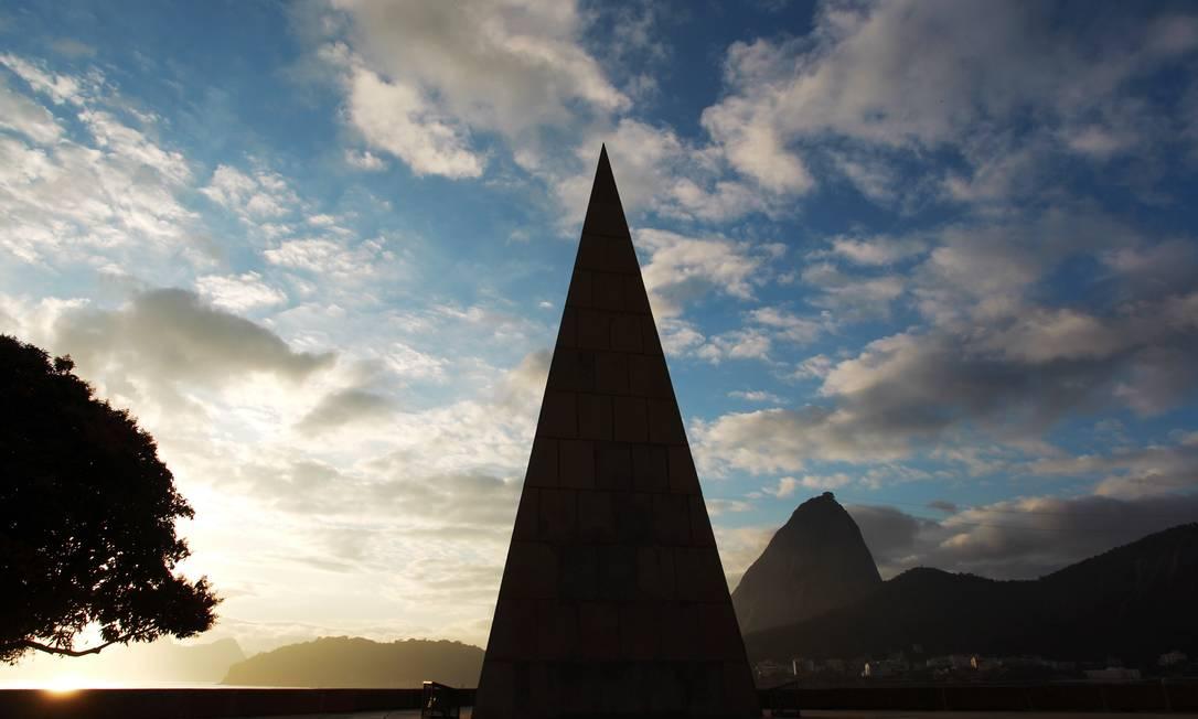 O monumento a Estácio de Sá, no Aterro do Flamengo Gabriel de Paiva / O Globo