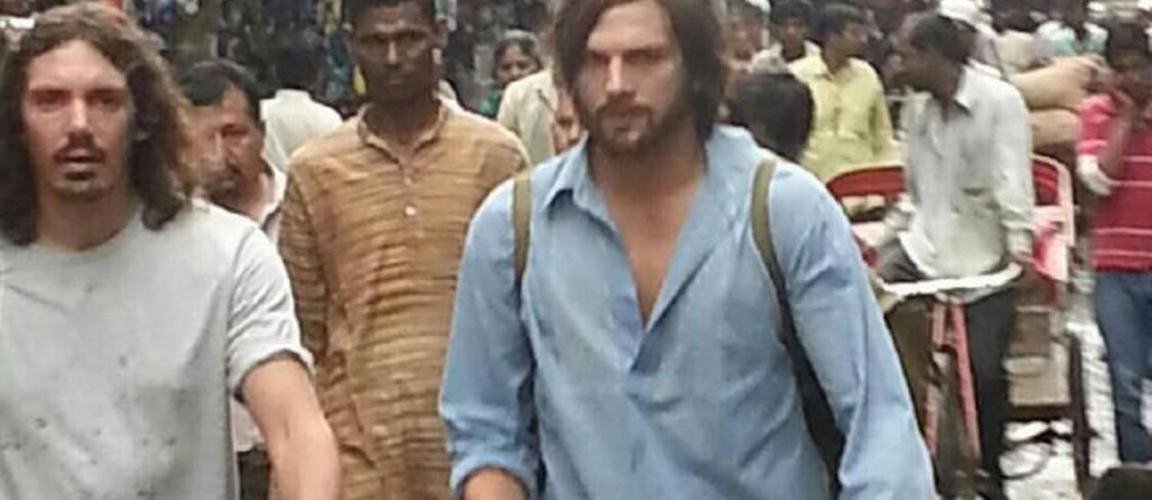 Ashton Kutcher na Índia para gravar cinebiografia de Steve Jobs Foto: Reprodução