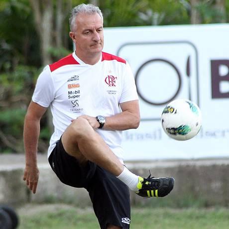 Dorival Júnior não gostou da atitude do Flamengo na derrota para a Ponte Preta Foto: Vipcomm / Maurício Val / Divulgação