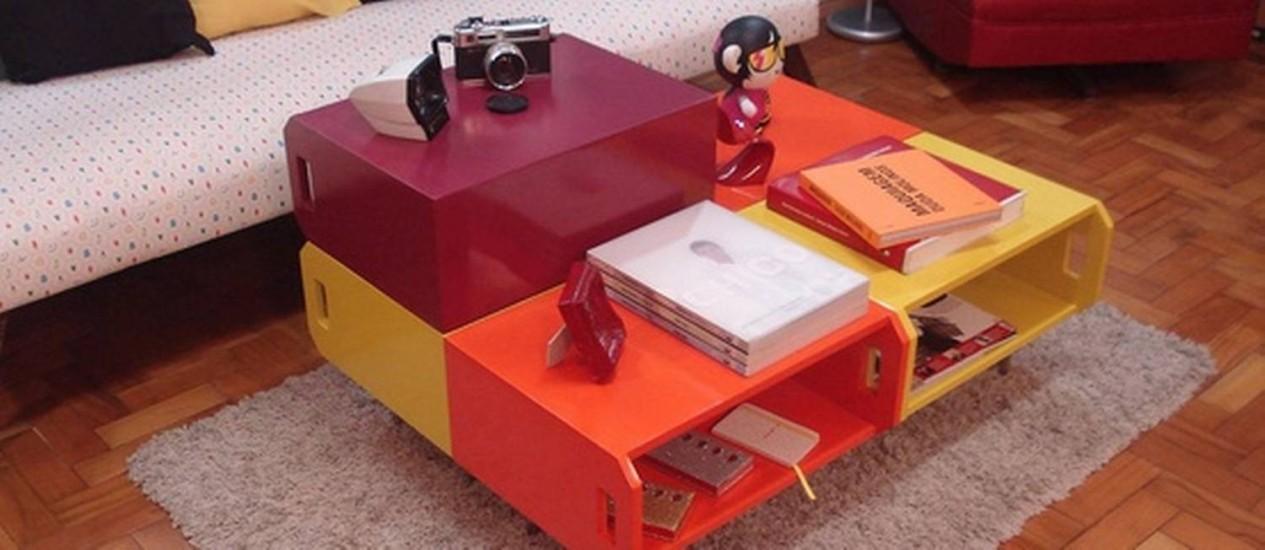 Caixotes com pintura envernizada ou laqueados podem virar uma mesa de centro moderna Foto: Pinterest Moacir Lourenço