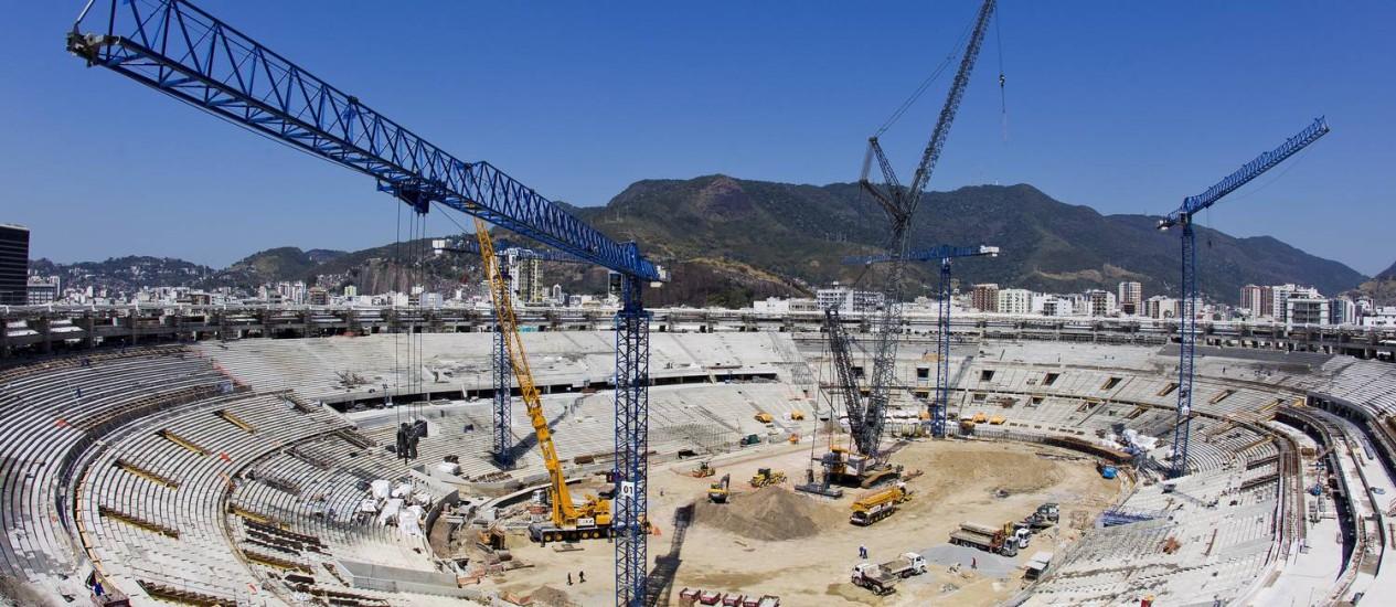 O Maracanã, que atingiu 70% das obras concluídas nesta semana, receberá sete jogos da Copa de 2014 Foto: Ivo Gonzalez / O Globo