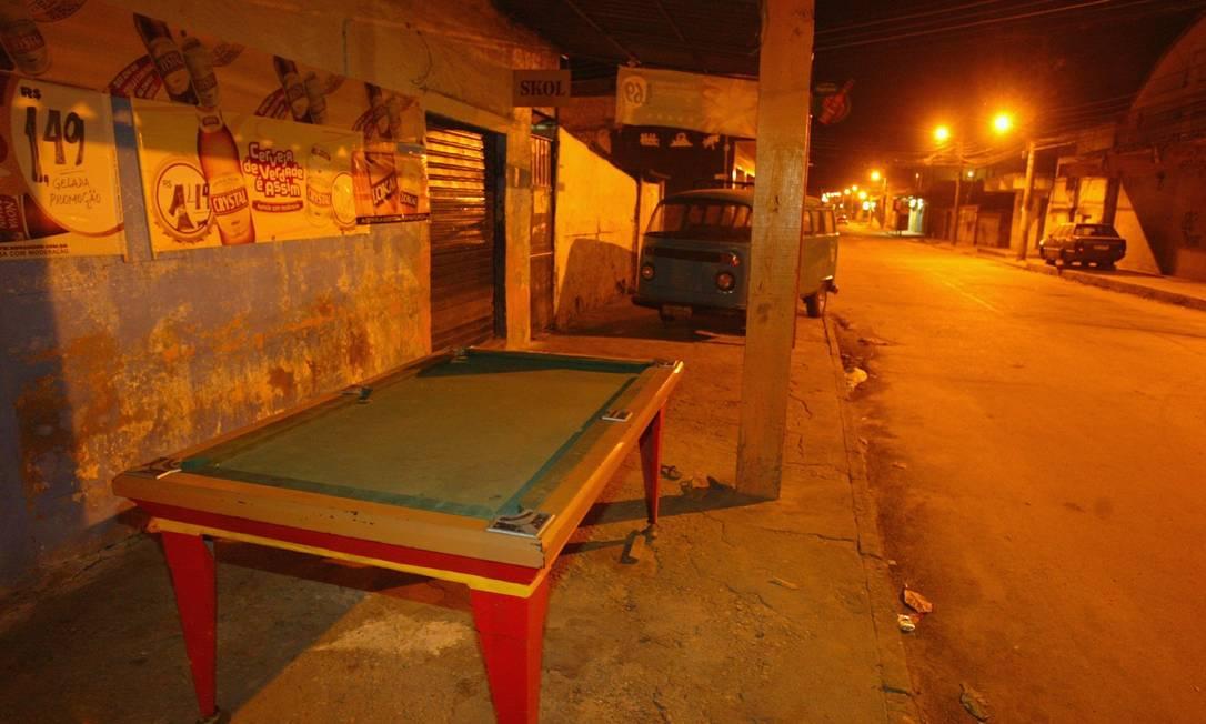 Bar de Nova Iguaçu que foi um dos alvos dos policiais Foto: Fernando Quevedo / O Globo