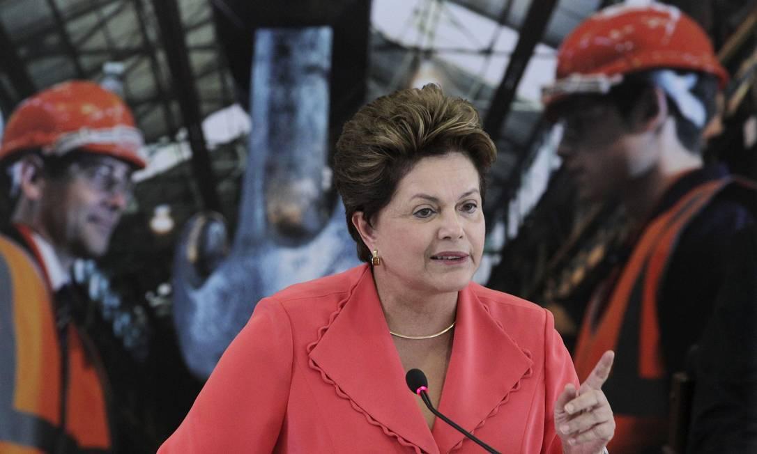 Presidente Dilma Roussef fala na cerimônia de anúncio do pacote de redução de energia Foto: Reuters