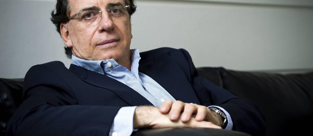 Cinco meses após ter sua pena extinta pelo Tribunal de Justiça do Rio, o ex-banqueiro Salvatore Alberto Cacciola, de 68 anos, segue impedido de deixar o Brasil Foto: Guito Moreto/15-05-2012