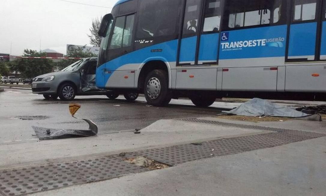 Acidente no BRT da Barra deixa uma mulher morta - Jornal O Globo