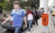 Vágner Love na chegada do Flamengo ao Rio após derrota para o Santos