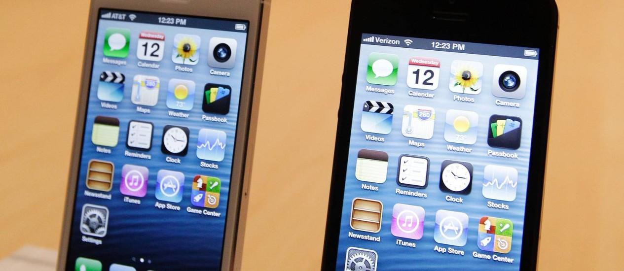 Vendas garantidas. Apesar da falta de compatibilidade, celular Apple tem consumidores cativos Foto: Eric Risberg/AP