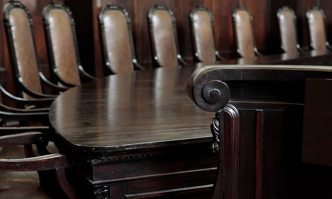 No Museu da Justiça, o visitante pode conferir a sala do Tribunal Pleno, onde ficavam os 28 desembargadores do estado Foto: Gustavo Stephan / O Globo
