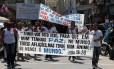 Após chacina de seis jovens, grupo promove manifestação pela paz em Nilópolis