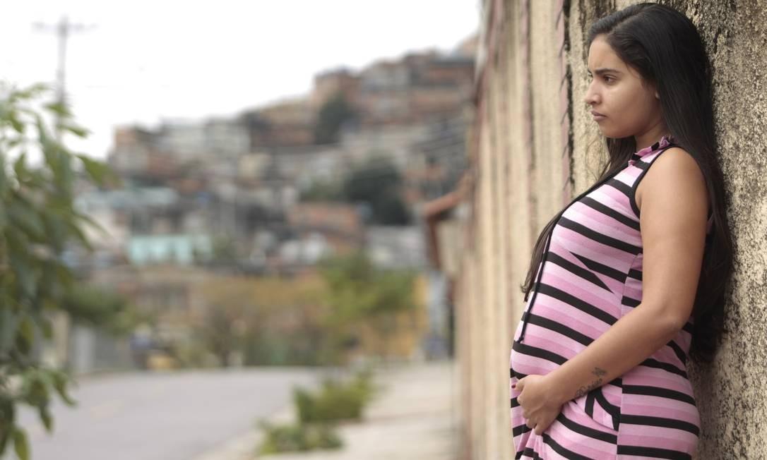 """Letícia Protásio: """"Sei que agora vou ter que ficar em casa, cuidando do meu filho. Talvez por um, dois anos"""" Foto: Gustavo Stephan / O Globo"""