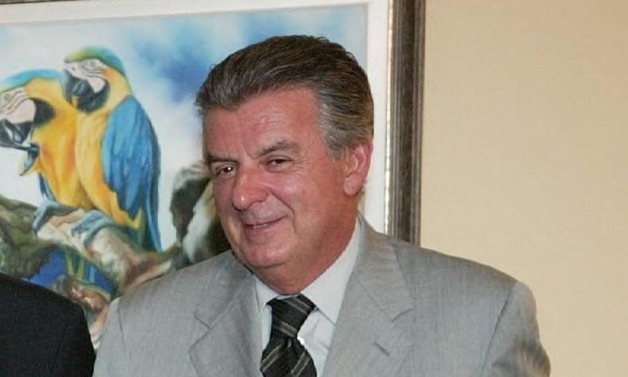 MENSALÃO DELATADO - O então presidente Lula com o deputado Roberto Jefferson, delator do esquema do mensalão, José Dirceu e Walfrido Mares Guia, em 2004, antes do escândalo vir à tona Foto: Arquivo/2004