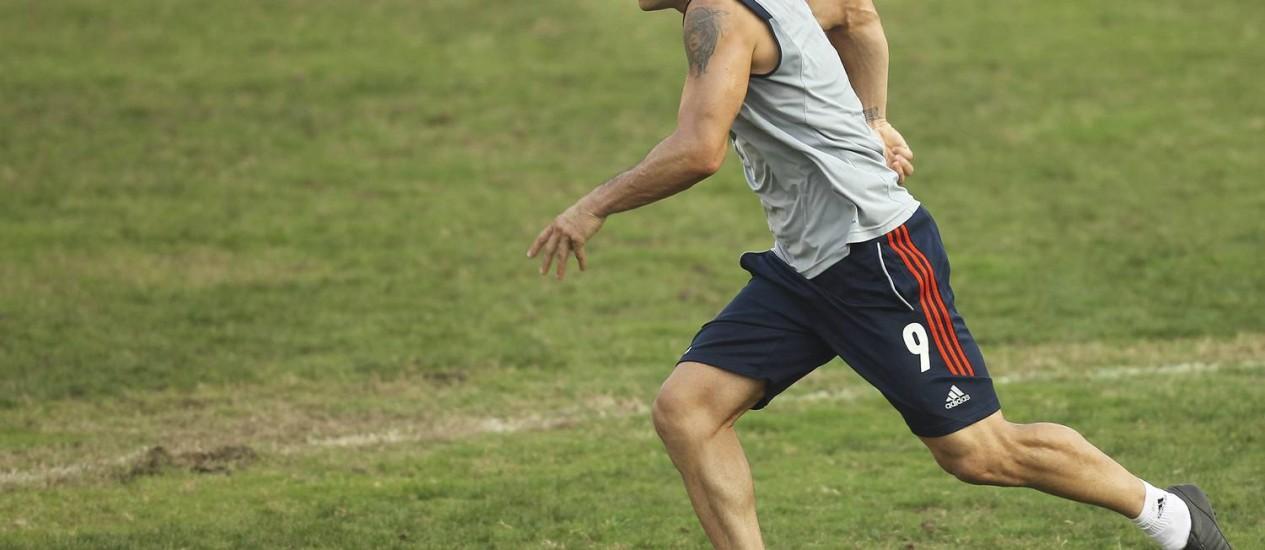 Fred treina nas Laranjeiras Foto: Alexandre Cassiano / O Globo