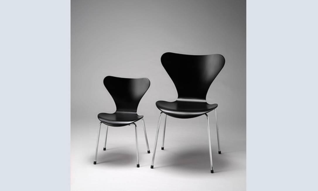 A cadeira Formiga, de Arne Jacobsen, é considerada um dos maiores ícones entre as cadeiras projetadas no século XX. Desde 1955, quando foi criada, ela complementa com contemporaneidade ambientes do mundo inteiro. Está à venda na Obravip.com Reprodução internet