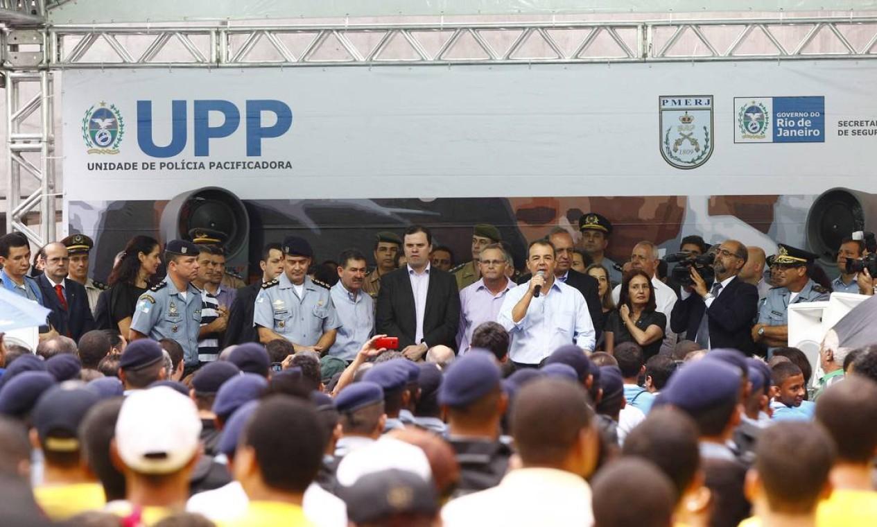 Em seu discurso, o governador Sérgio Cabral disse que a pacificação é um processo e que a marginalidade vai continuar tentando dominar o território fazendo enfrentamentos Foto: Pablo Jacob / O Globo
