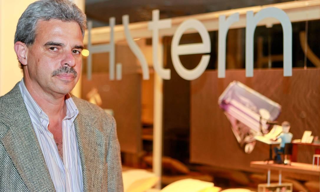 Expectativa. Milton deseja incorporar sobrenome do pai Foto: Pedro Kirilos / O Globo