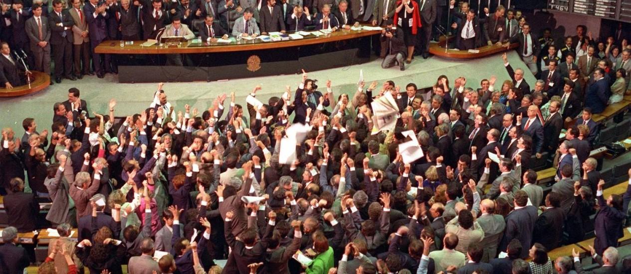 Câmara dos Deputados vota pedido de impeachment de Collor Foto: Agência O Globo / Gustavo Miranda
