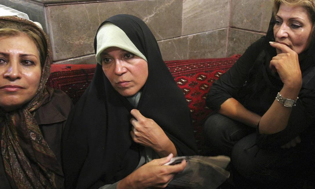 Faezeh Rafsanjani, filha do ex-presidente iraniano, em audiência da Justiça de Teerã em 2009 Foto: STRINGER / REUTERS