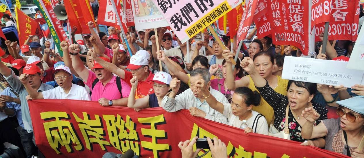 Manifestantes protestam contra domínio japonês em ilhas disputadas Foto: Mandy Cheng / AFP