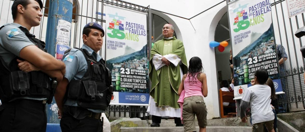 Dom Orani Tempesta celebrou uma missa em comemoracão aos 35 anos da Pastoral das Favelas na comunidade Dona Marta Foto: Laura Marques