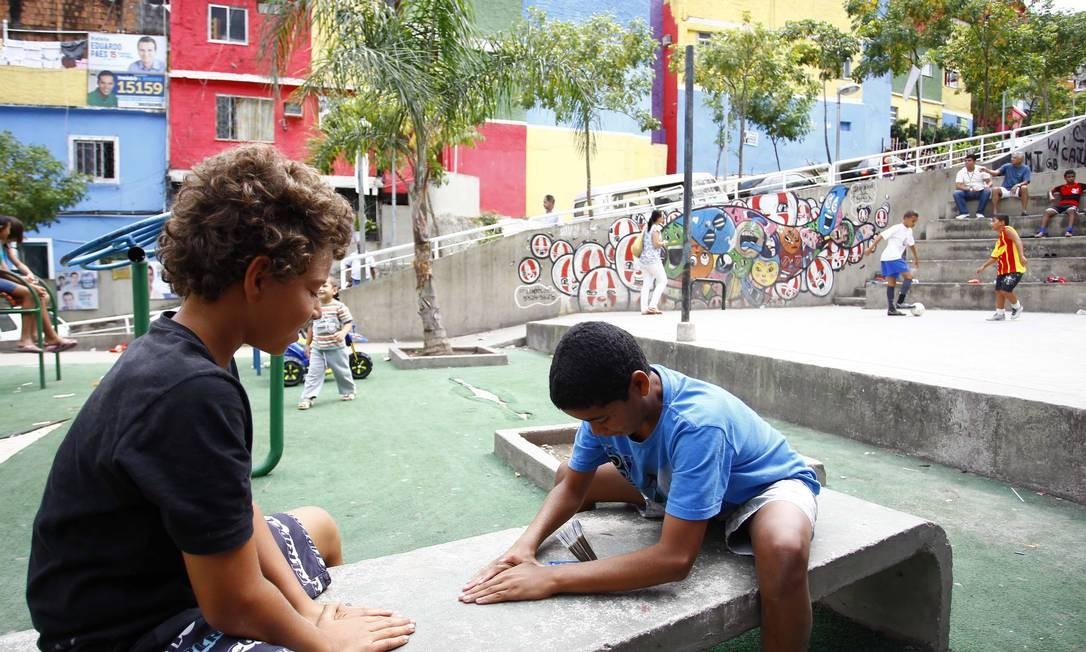 Antes das 10h, a movimentação já era grande. Crianças bricavam pelas ruas Foto: Pablo Jacob